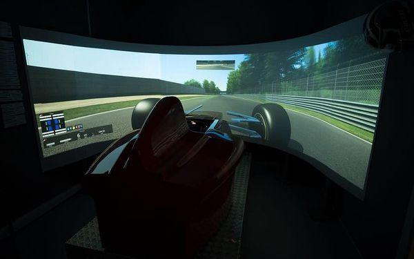Závody Formule 1 - dva simulátory3