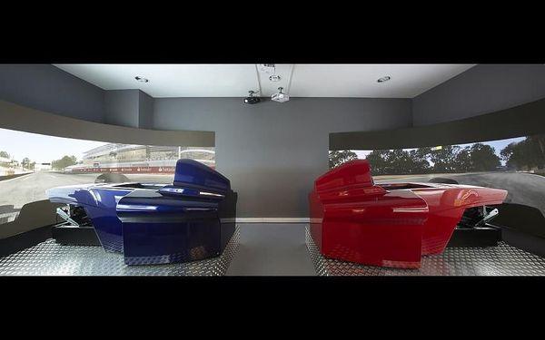 Závody Formule 1 - dva simulátory