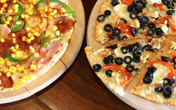 2x pizza podle výběru a 1 hod. bowlingu5