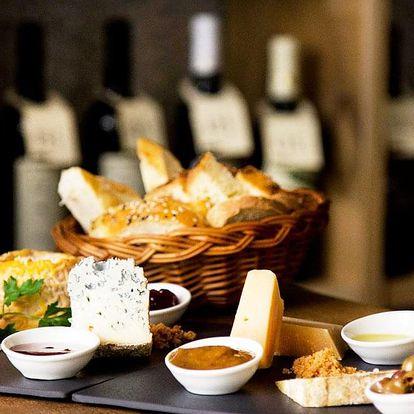 Snoubení vína a sýrů pro čtyři
