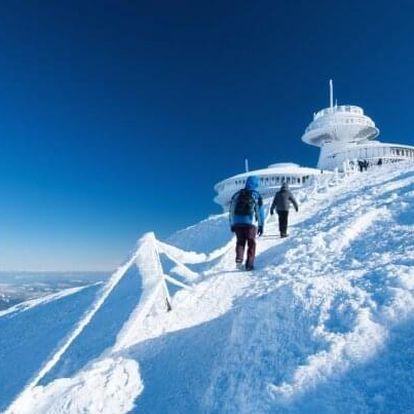 Krkonoše: Zimní pobyt pro lyžaře v Harrachově v Hotelu Karolína *** s polopenzí, nápoji neomezeně a wellness