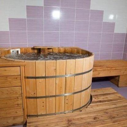 Jižní Morava: Relax a romantika ve Wellness Hotelu U Langrů s privátním wellness, řadou procedur a polopenzí