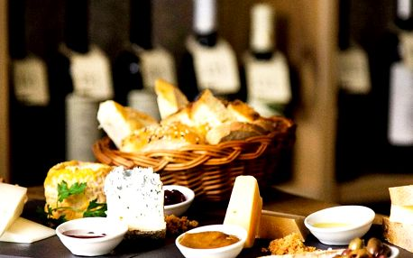 Degustace vína ve Vinografu