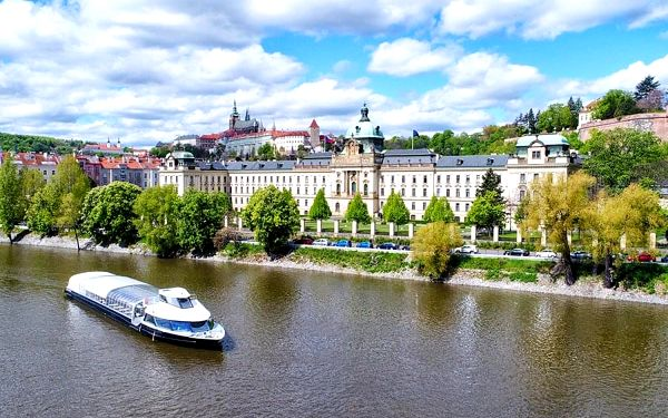 Plavba po Vltavě s obědem pro dva | Praha | Celoročně. | 2 hodiny.4
