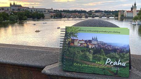 Kniha Zažij Prahu: výlety i cestovatelský deník