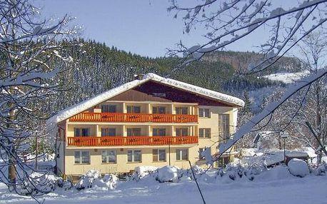 Beskydy: Relaxační dovolená v Hotelu U Studánky s chutnou polopenzí, vířivkou a masáží zad i šíje