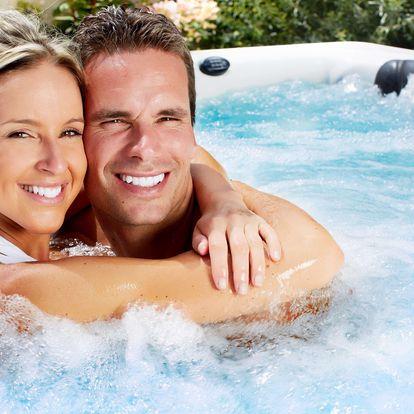 Privátní wellness s lahví sektu a ovocem či permanentka do sauny a vířivky