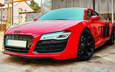 Jízda v ďábelské Audi R8 vč. paliva