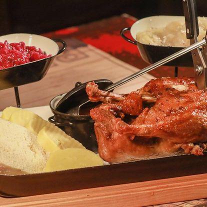 Staročeská kachna, knedle i zelí až pro 4 jedlíky