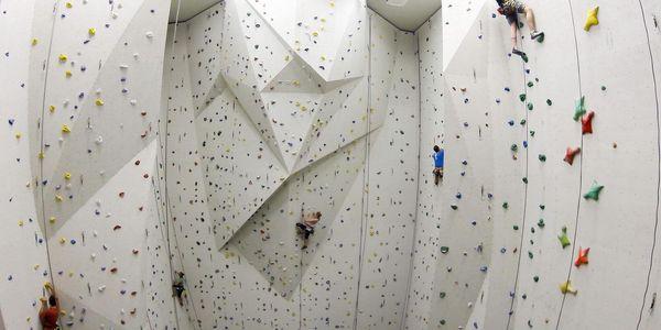 Lezení na stěně pro 1-2 osoby pod dohledem instruktora (60 min.)2
