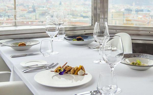 Luxusní 5chodové menu na Žižkovské věži pro dva