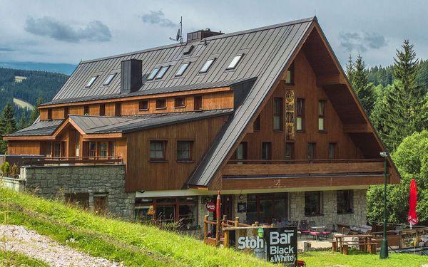 Oblíbený Hotel Stoh ve Špindlu s polopenzí a vstupem do Vodního ráje