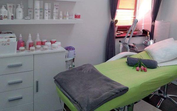 Ošetření pleti mikrodermabrazí i masáž4