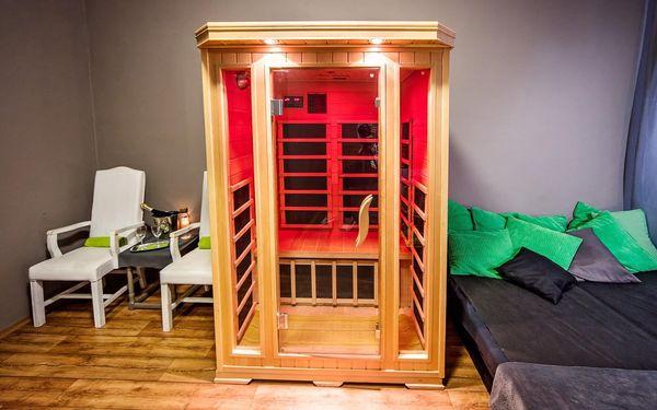 Vířivka a sauna pro 2 (60 minut)3