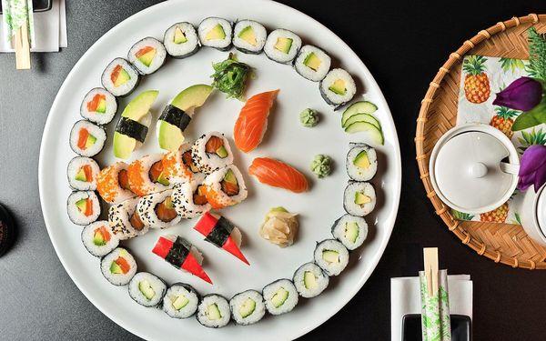 Sushi sety s lososem, tuňákem i avokádem