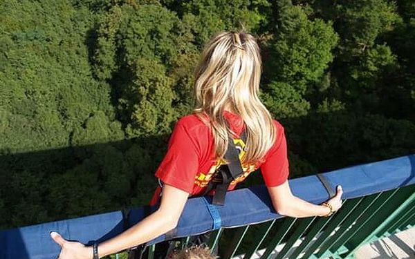 Bungee jumping   Chomutov   Duben – říjen, obvykle v sobotu.   5 min. - 2 hod.5