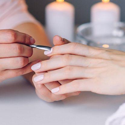Spa manikúra s masáží rukou, gel lak i gelové nehty