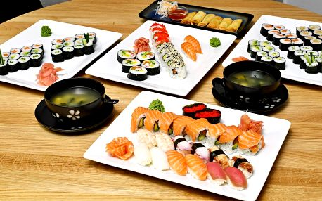 24–74 ks sushi i se závitky nebo wakame