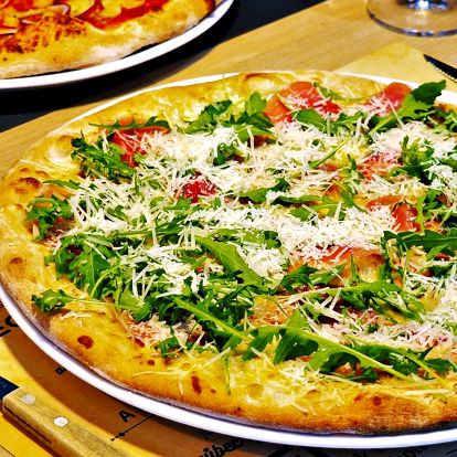 2 pizzy z pece na dřevo podle výběru z 24 druhů