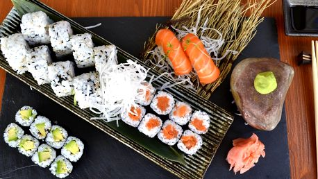 Sushi sety s 24, 26, 44 ks či s 28 ks a předkrmem