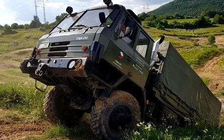Offroad jízda Tatrou 815 v terénu