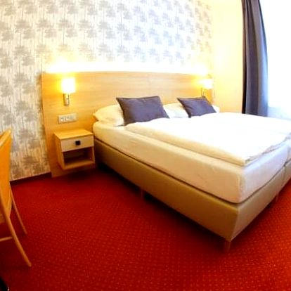 Lázeňský pobyt v Mariánských Lázních v Hotelu Flora *** s neomezeným bazénem, až 20 procedurami a plnou penzí