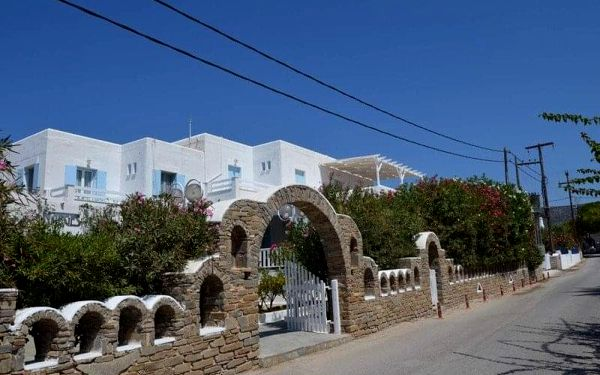 Řecko - Paros letecky na 11-14 dnů, polopenze