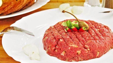 To je maso: 450g tatarák k odnosu s sebou