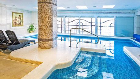 Pobyt v Božím Daru s polopenzí, bazénem i saunou