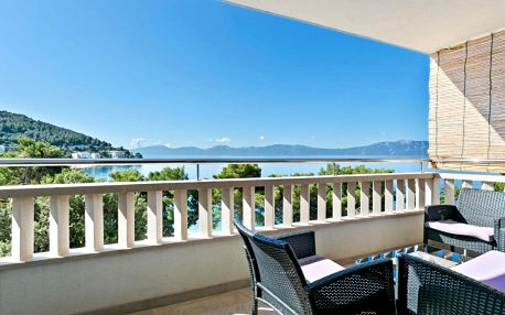 Chorvatsko, Drvenik: Cosy Apartment in Drvenik with Balcony