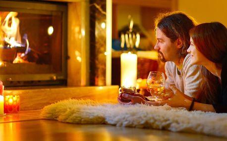 Romantický pobyt v luxusní chatě se saunou a krbem