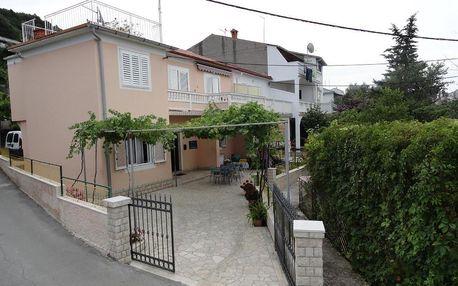 Chorvatsko, Rab: Apartments & Rooms Karmela