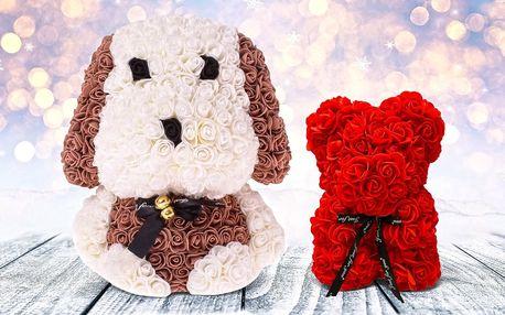 Medvídek či pejsek ručně vyrobený z umělých růží