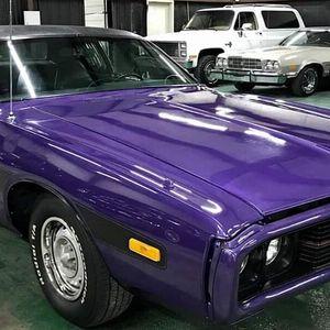 Jízda v Dodge Charger 1973 až 60 minut