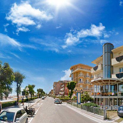 Itálie, Rimini | Hotel Amba*** | Polopenze s nápoji | Až dvě děti zdarma | Přímo u pláže | Garance nejnižší ceny