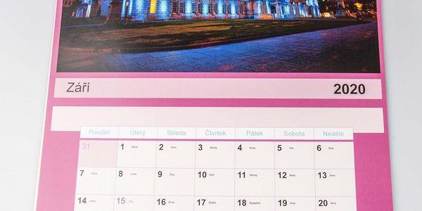 10 velkých nástěnných ročních kalendářů A34