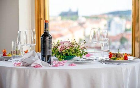 Romantický pobyt v Praze: Hotel International Prague **** s unikátním výhledem, degustačním menu a snídaní