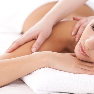 Relaxační masáž zad s rašelinovým zábalem pro dámy