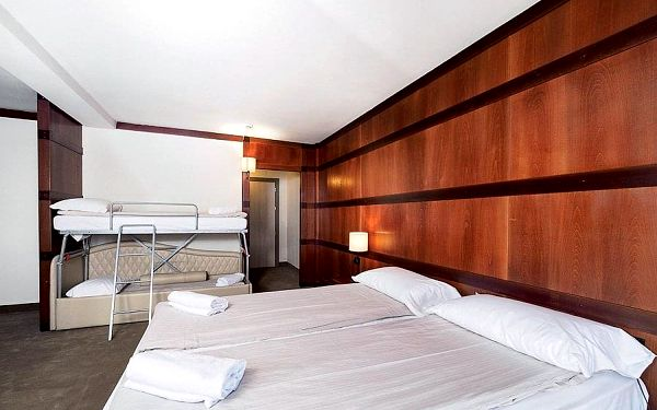 Hotel Club Piandineve, Skirama Dolomiti Adamello Brenta, vlastní doprava, polopenze2