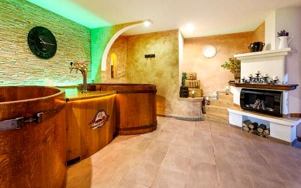 Beskydy blízko ski areálů: Hotel Beskyd s polopenzí, wellness a 50% slevou na pivní či bylinnou koupel