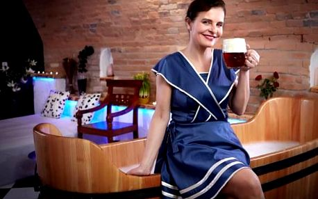Romantická VIP pivní péče v křišťálové kapli pro 2 s obědem/večeří a návštěvou obchůdku Málkovy čokoládovny s variantou bez ubytování/s ubytováním