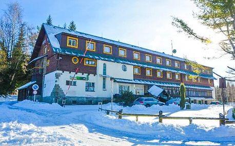 Jizerské hory u ski areálů: Parádní dovolená v Hotelu Maxov *** s polopenzí a vstupem do sauny