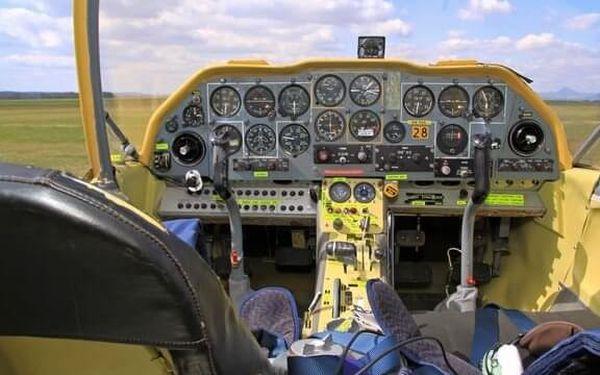 Akrobatický let s letadlem Bulldog   Roudnice nad Labem   Celoročně.   25 minut.2