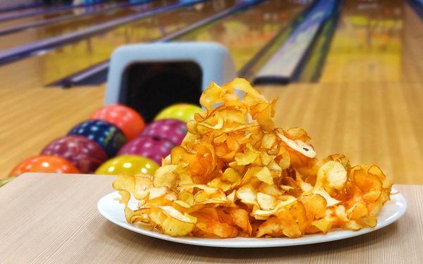 1 hod. bowlingu + bramborové lupínky (300 g)4