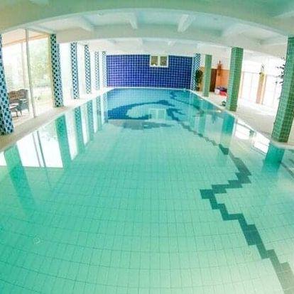 Krakov v romantickém zámeckém Hotelu Daisy Superior *** s neomezeným bazénem, saunou, snídaní a 50% slevami