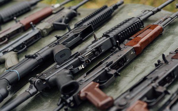 Střelecký balíček Ultra Minimal (4 zbraně a 16 nábojů)4