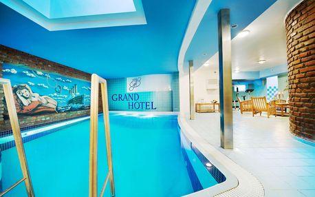 Zima nebo jaro v Grand Hotel Třebíč v historickém centru s polopenzí a bazénem