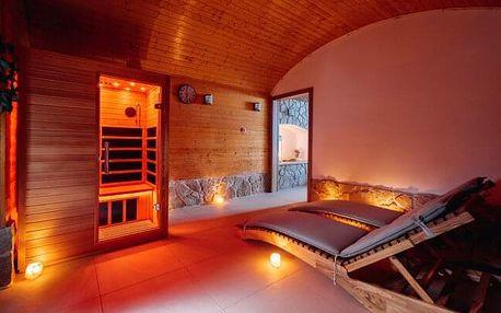 Žďárské vrchy: Wellness Hotel Marta se 3 saunami a vířivkou, slevou na masážní vanu a koně + chutné snídaně