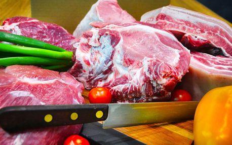 Farmářská bedýnka plná vepřového masa z Čech