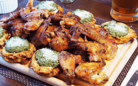 1 kilo kuřecích křídel nebo paliček s bramborákem